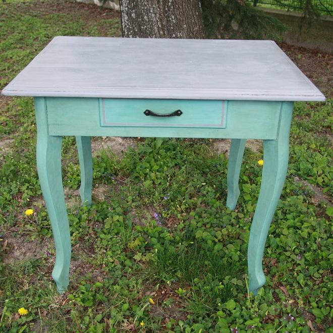 Stôl vo farbe Provence