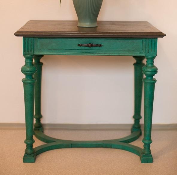 Starožitný stolík