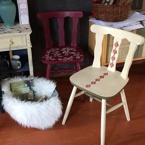Stoličky vo folk štýle ZĽAVA
