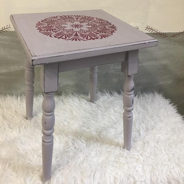 Vidiecky stolček