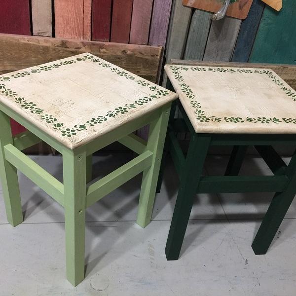 Vidiecke stolčeky