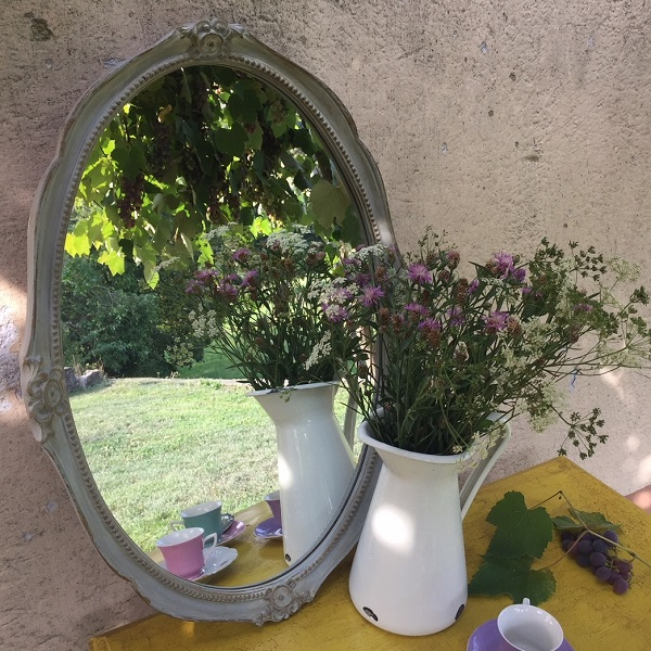 Oválne zrkadlo