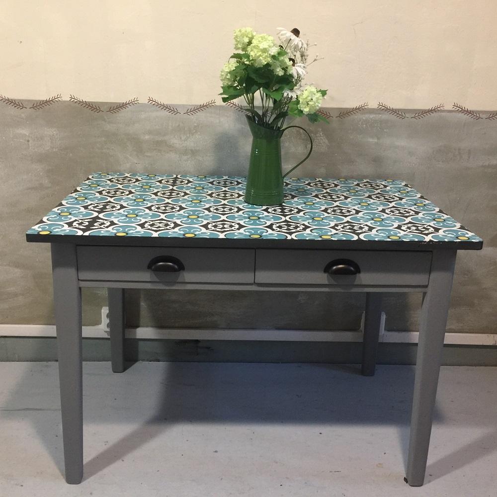 Stôl v marockom štýle