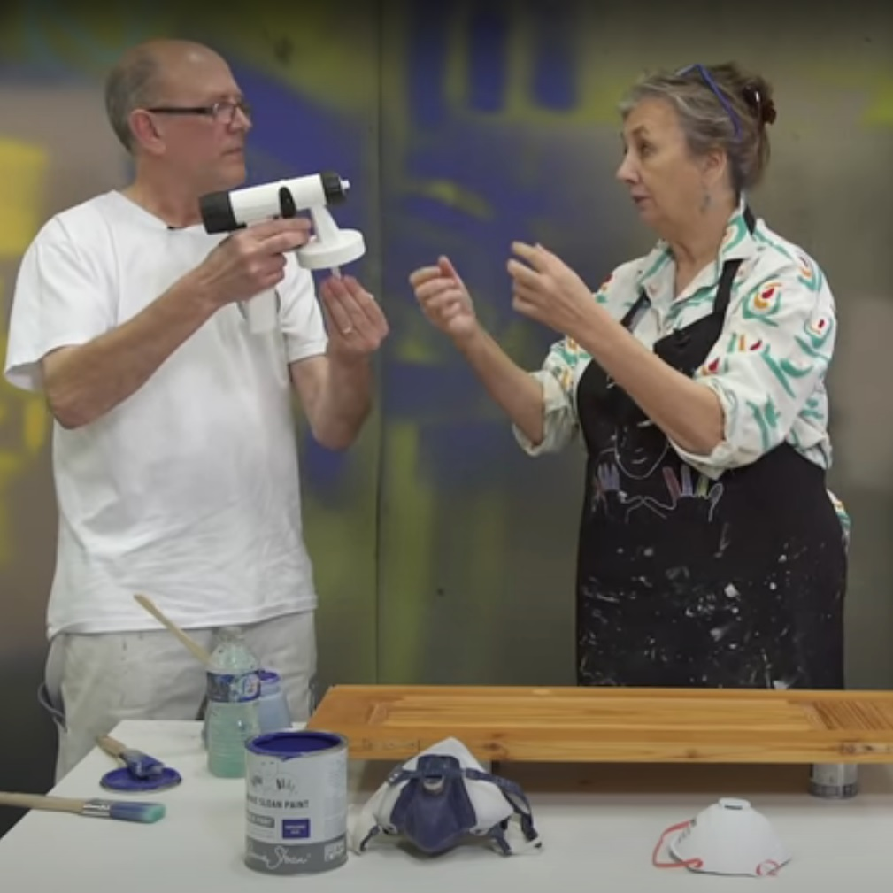 Sprejovanie Chalk Paint farby